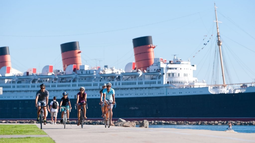 queen-mary-biking__hero