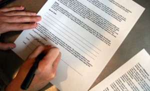 contract-sign-jason-saul-flickr-143443342_cca33b93a0_o