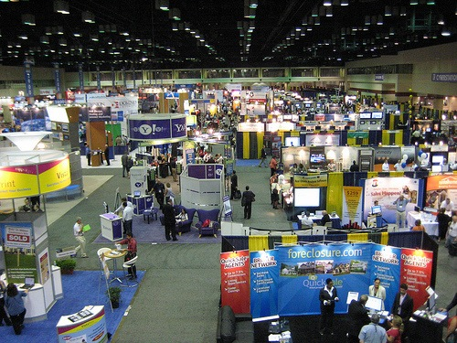 How online trade show floor map and exhibitor management for Trade show floor plan software