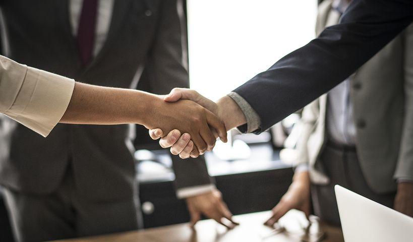 Handshake Reverse Trade Show